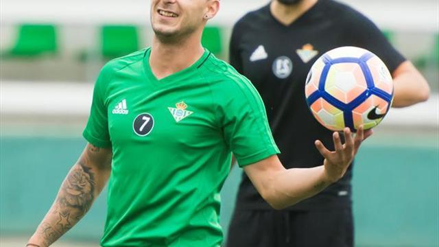 Sergio León entrena con normalidad y Sanabria intensifica su puesta a punto