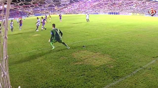 Космический командный гол с бразильского дна, который повторит только «Барселона» или «Арсенал»