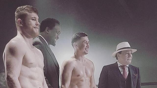 Головкин и Альварес устроили фотосессию в стиле боксеров из 30-х