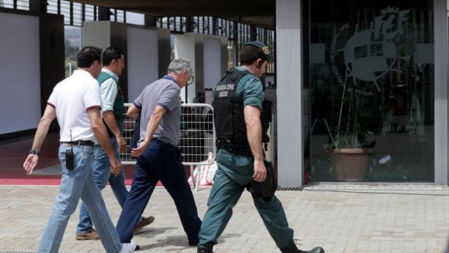 Tribunal deportivo suspende a Villar — Corrupción en España