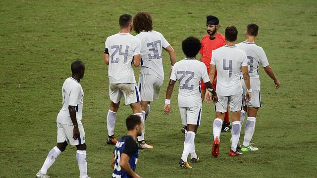 Кондогбиа забил всвои ворота сцентра поля