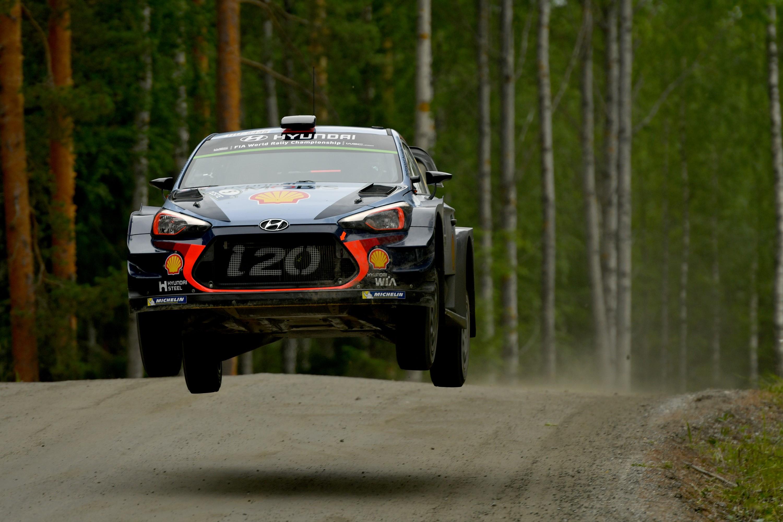 Thierry Neuville (Hyundai) lors du Rallye de Finlande 2017