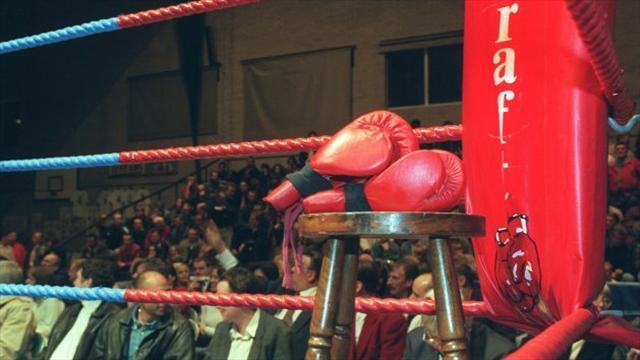 Claressa Shields KOs Adler, wins two 168-pound belts