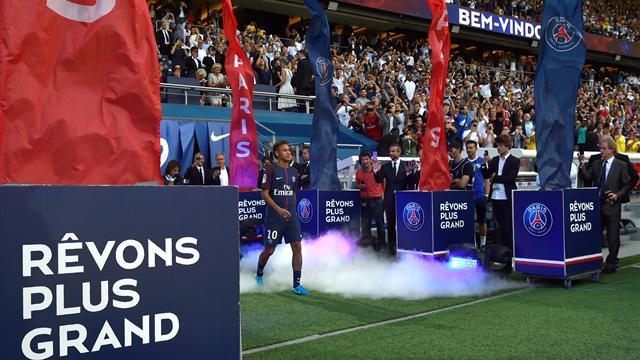 Du Parc des Princes à la Tour Eiffel, les 24 heures premières heures parisiennes de Neymar