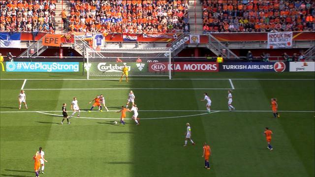 Des 20 mètres, Martens a fait parler son pied gauche : le deuxième but des Pays-Bas