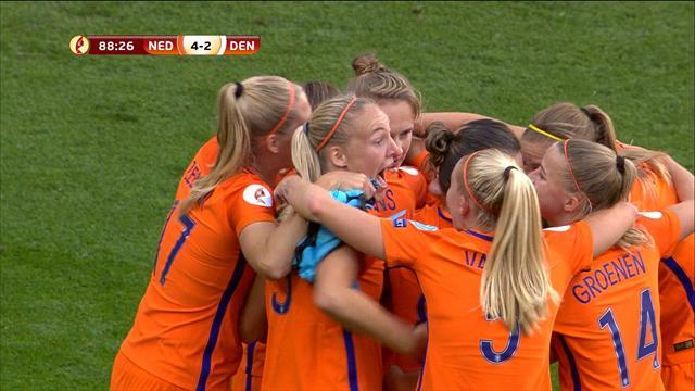 Crochet, frappe du droit, Miedema s'est offert un doublé et a mis les Pays-Bas à l'abri