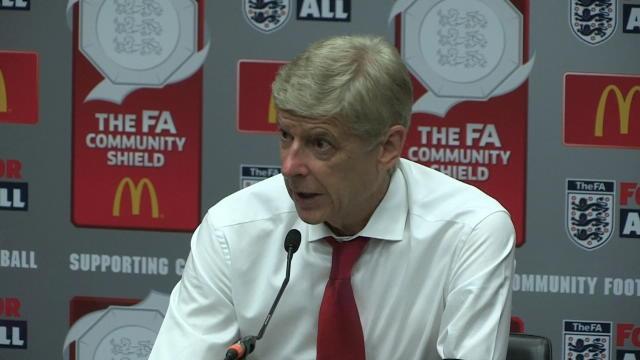 """Wenger : """"Lacazette est de plus en plus fort"""""""