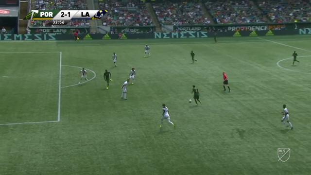 Крутая обработка из MLS, сочный удар, точное попадание и, конечно, гол