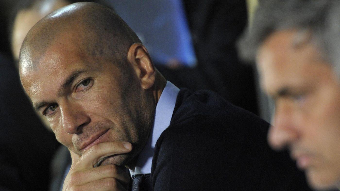 Zinedine Zidane and José Mourinho in 2011