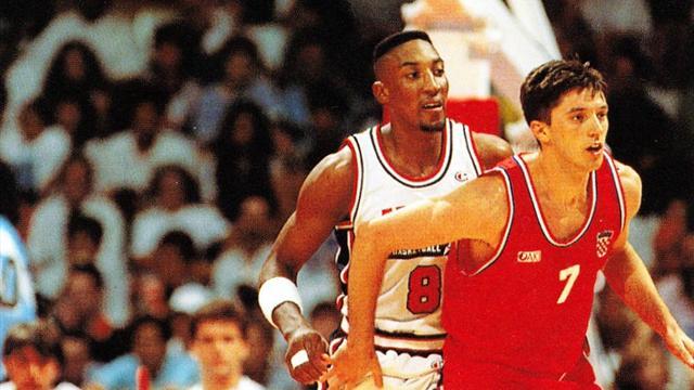 """#DreamTeamDay, Pippen contro Kukoc: la """"battaglia"""" che cambiò la storia di Team Usa e dei Bulls"""