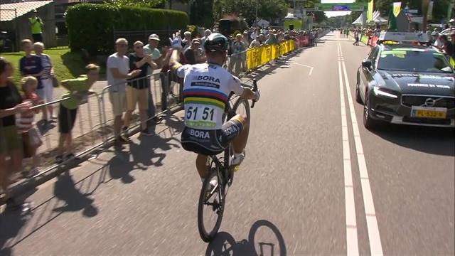 Sagan festeggia a modo suo dopo la vittoria nella prima tappa del BinckBank Tour