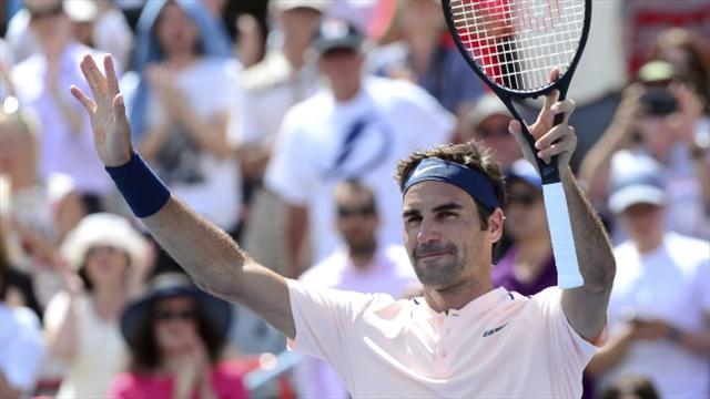 Roger Federer eases into last 16 in Montreal