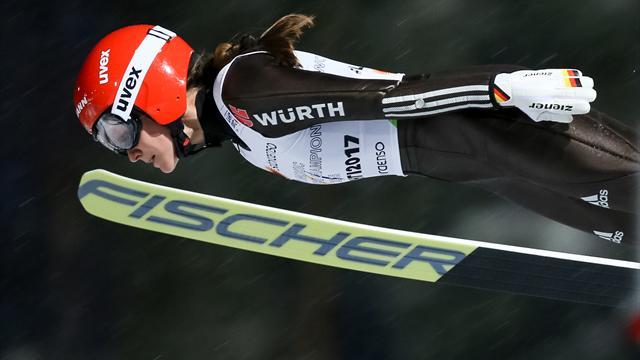 Skispringen: Sechswöchige Zwangspause für Olympiasiegerin Vogt