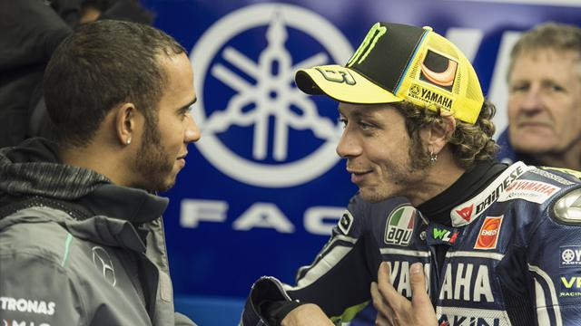 """Hamilton: """"Proverò una MotoGP e sfiderò Valentino Rossi al Ranch"""""""