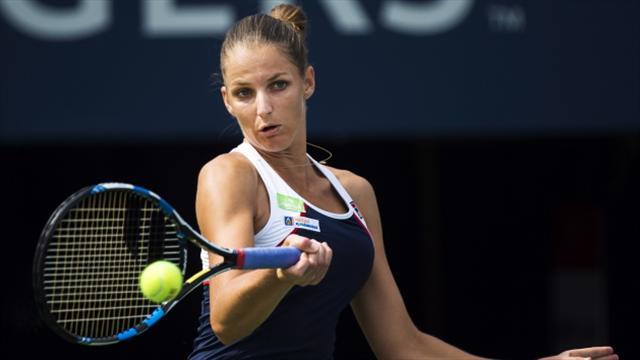 Karolina Pliskova advances in Rogers Cup as Naomi Osaka withdraws hurt