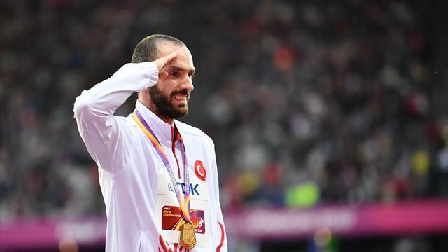 Ramil Guliyev, altın madalyasını aldı
