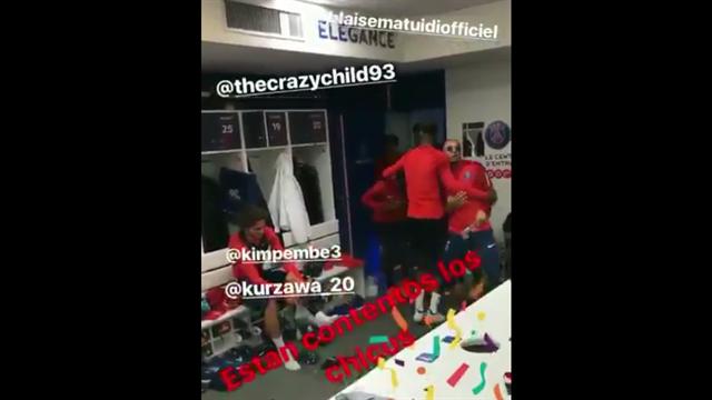 Pendant ce temps-là, c'est la fête dans le vestiaire du PSG