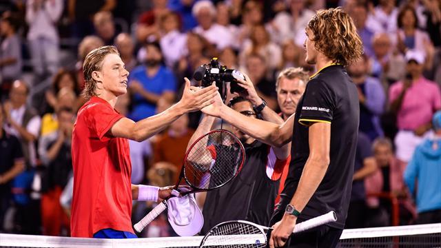 Зверев одолел Шаповалова и сыграет с Федерером в финале