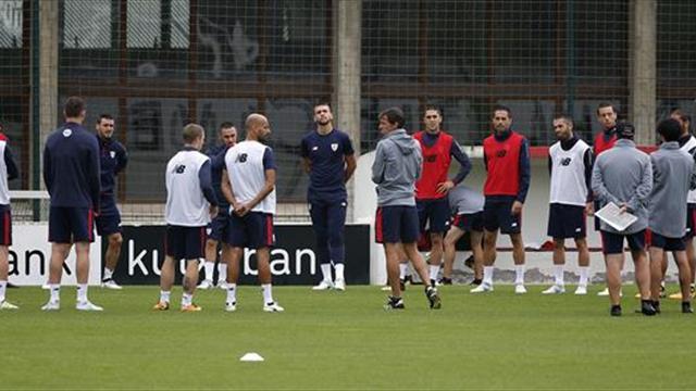 El Athletic prepara a puerta cerrada el choque de Atenas y viaja el miércoles