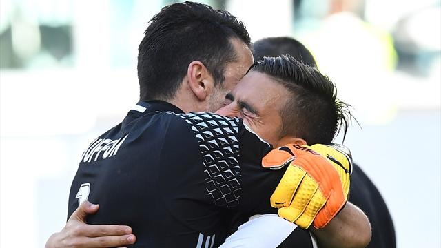 "Buffon: ""L'unico che meritava la 10 era Paulo Dybala"""