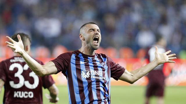 """""""Kral"""" gollerle döndü, Trabzonspor'u galibiyete taşıdı"""