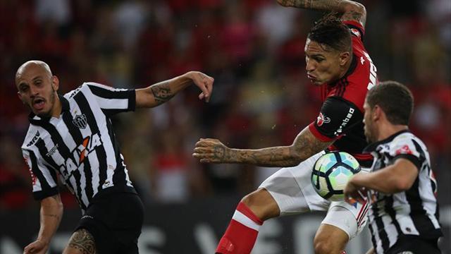 Gremio cae y da alas al Corinthians; Flamengo pierde con Rueda como testigo