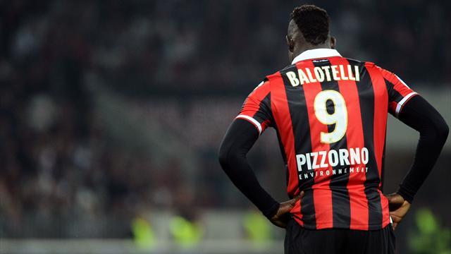 Balotelli tourne le dos à l'OM et reste à Nice