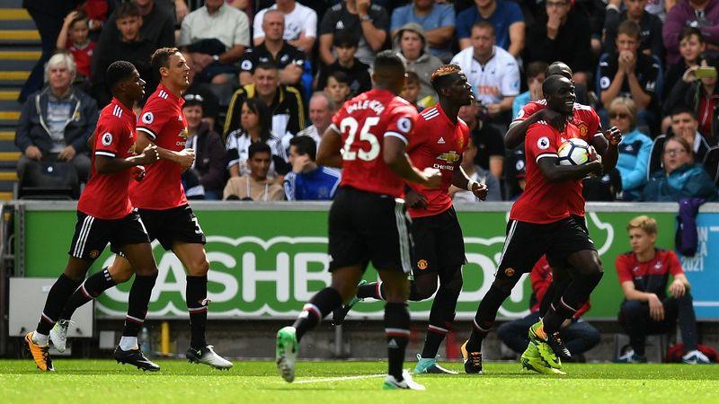 La joie des Mancuniens après le but d'Eric Bailly face à Swansea