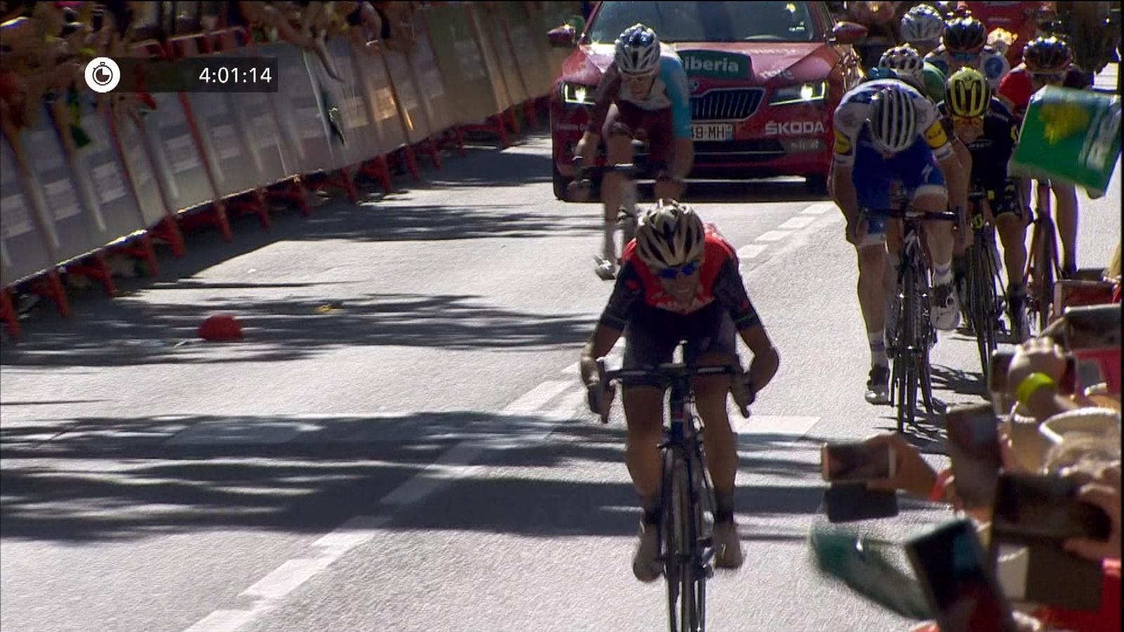 18263e816 Vuelta a Espana 2017  Chris Froome in red as Vincenzo Nibali snatches Stage  3 win - Vuelta a España 2018 - Cycling - Eurosport