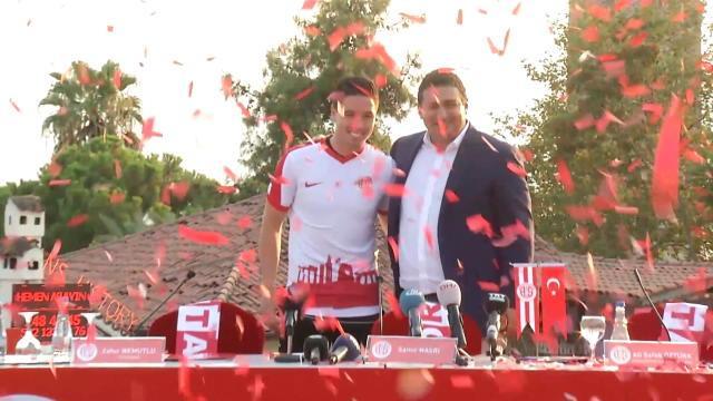 Antalyaspor : Nasri accueilli comme un roi