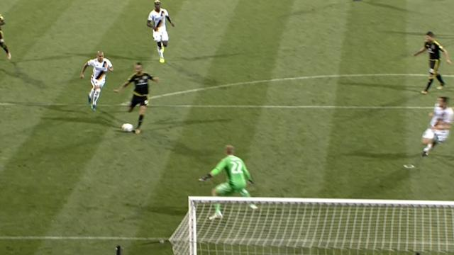 Columbus Crew-Los Angeles Galaxy 2-0, espulso Ashley Cole: gli highlights