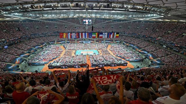 Первый матч сборной Польши на домашнем ЧЕ по волейболу привлек рекордные 65 тысяч человек