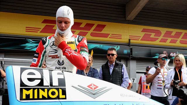 Emozioni a Spa, Schumacher jr guida la Benetton di papà Michael