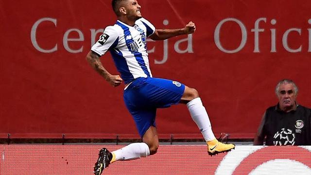 Tecatito Corona se presentó con gol en el Porto