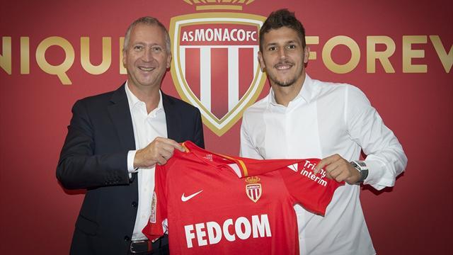 Jovetic resmen Monaco'da