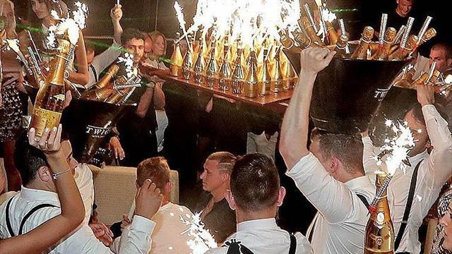 Как Кокорин иМамаев: молодые футболисты отравились водкой накутеже вЧелябинске