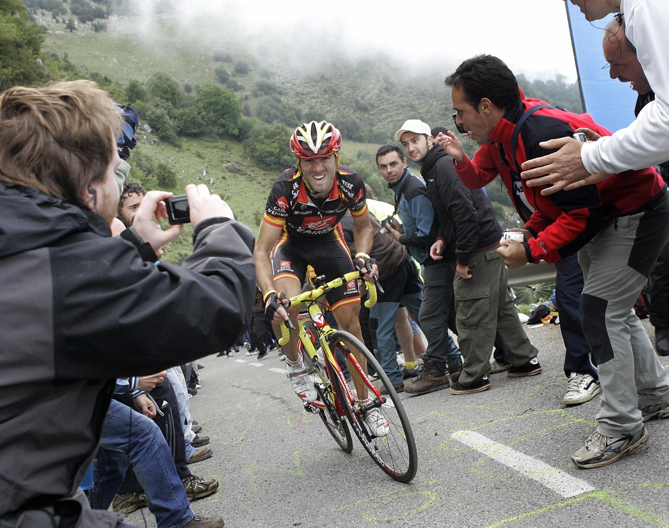 Alejandro Valverde, en el Angliru 2008 | Angliru Longform