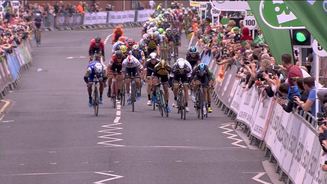 Tour de Gran Bretaña: Viviani vence en la segunda etapa tras la descalificación de Boasson Hagen