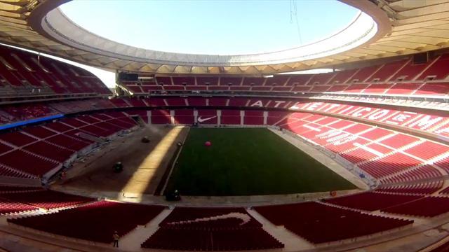 Espectacular time lapse de la colocación del césped en el Wanda Metropolitano