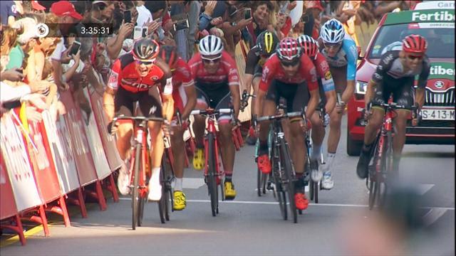 Первым на улицах Хихона хотели стать сразу 9 гонщиков – выиграл Де Гендт