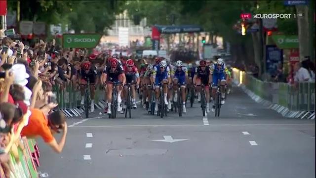 La Vuelta 2017: Insaciable Froome, luchó hasta por los puntos del esprint intermedio
