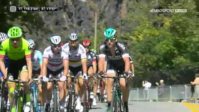 Sagan makes dramatic downhill attack