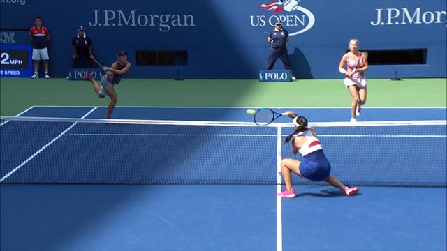 Китайская теннисистка идеально разобралась у сетки в финале женских пар. Топ-уровень
