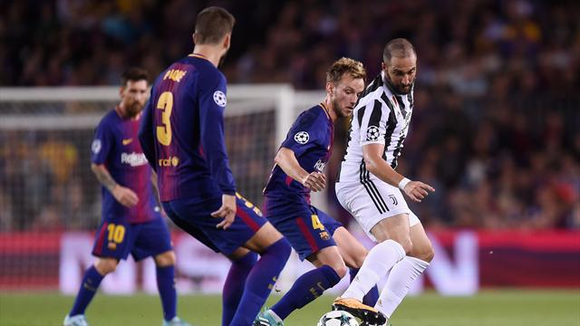 Football Italia: Игуаин показал средний палец фанатам «Барселоны» и может быть дисквалифицирован