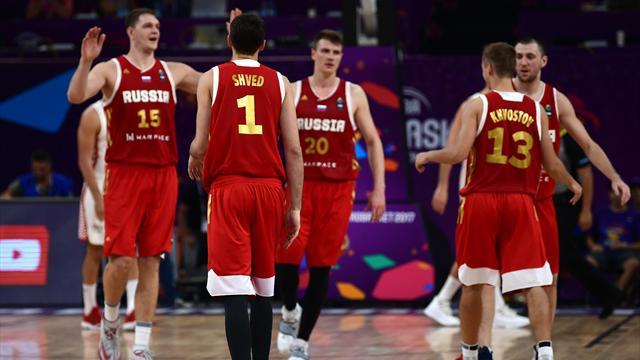 Россия сломила греков и сыграет в полуфинале