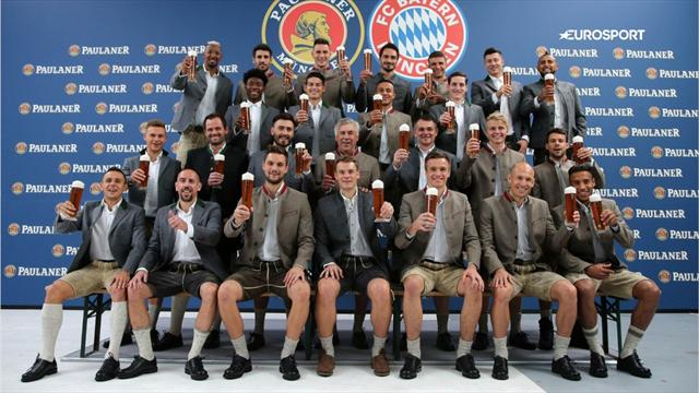 FC Bayern: Gaudi beim traditionellen Lederhosen-Shooting