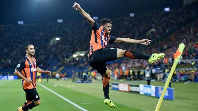 Il Napoli stecca l'esordio e torna sulla terra: lo Shakhtar vince a sorpresa 2-1