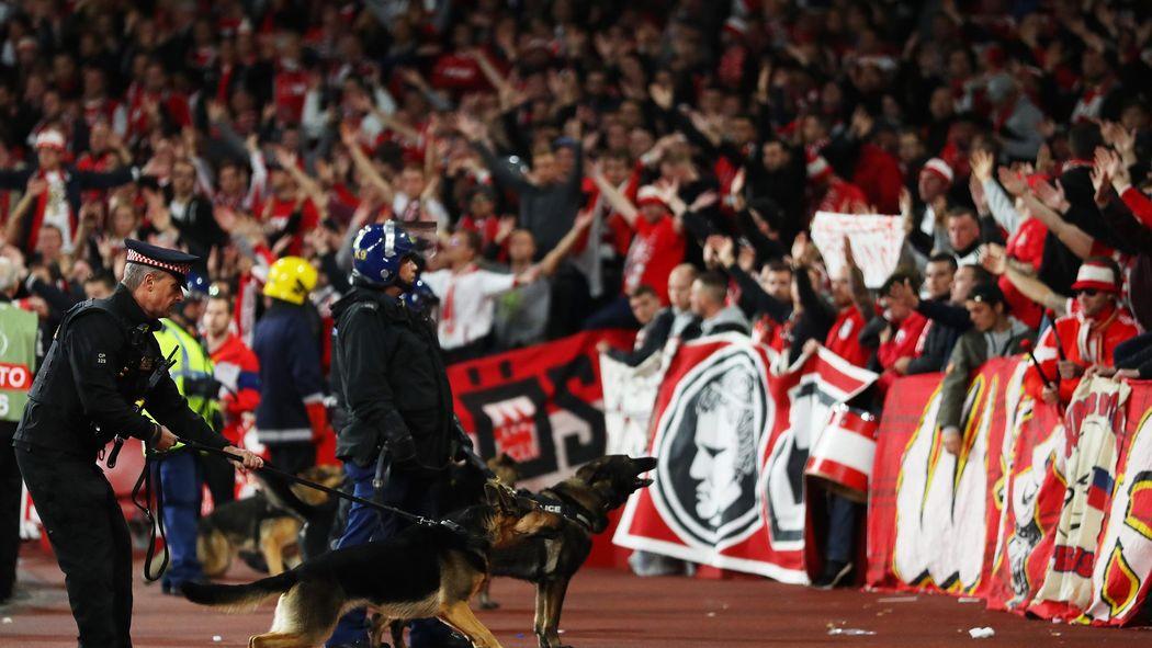 Turbulentes Europa Comeback Des 1 Fc Köln Chaos Chaoten