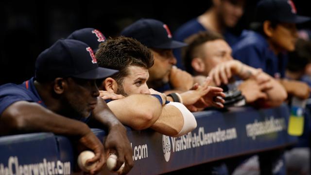 """I Boston Red Sox """"rubano"""" schemi con l'Apple Watch: ecco la multa"""