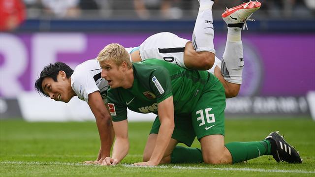 Augsburg bringt Eintracht Frankfurt zu Fall